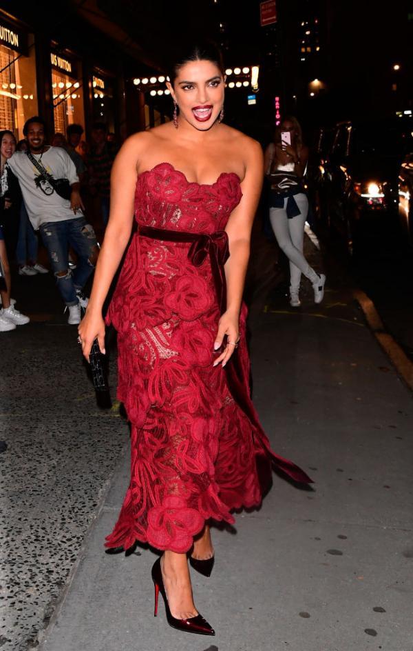 India Tv - Priyanka Chopra at Vanity fair Best dressed party