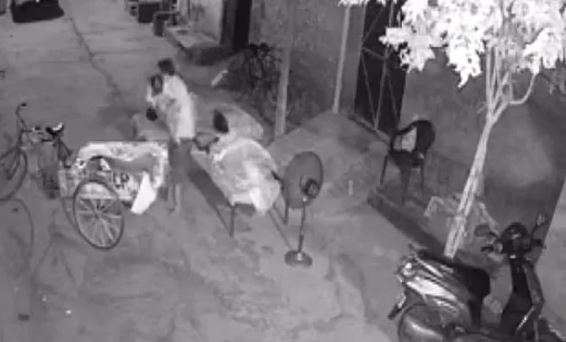 Caught on camera! Man tries to kidnap 4-year-old child