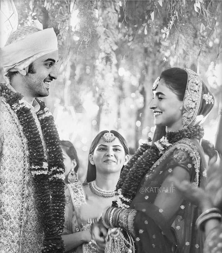 India Tv - Alia Bhatt and Ranbir Kapoor's fan-made wedding pictures