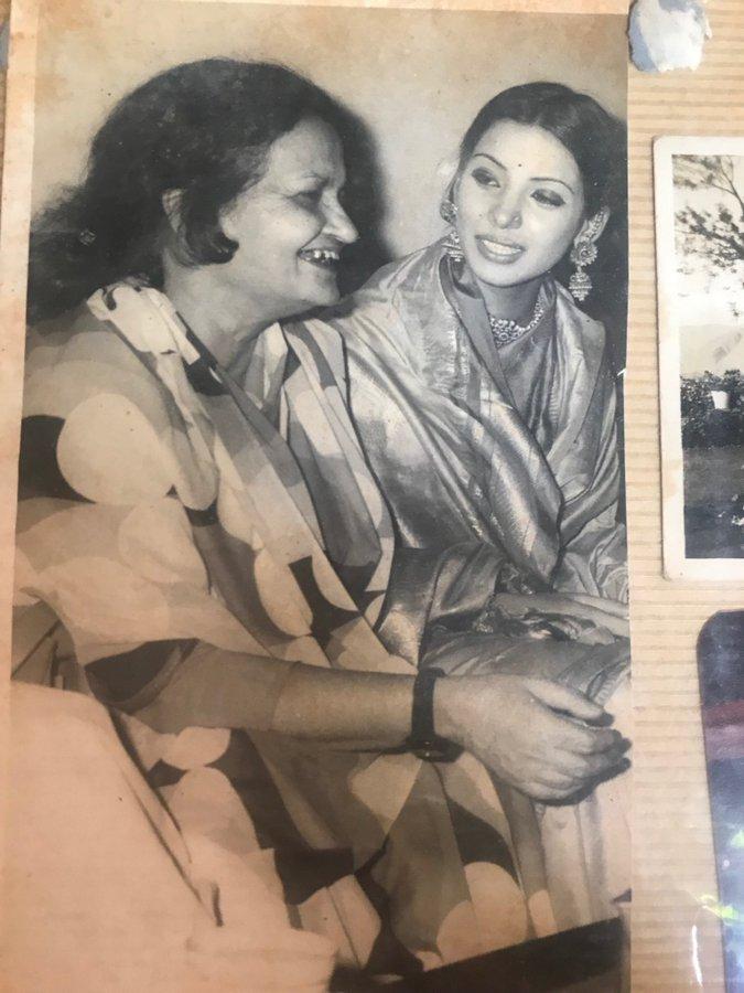 India Tv - Shabana Azmi's photo with Begum Akhtar
