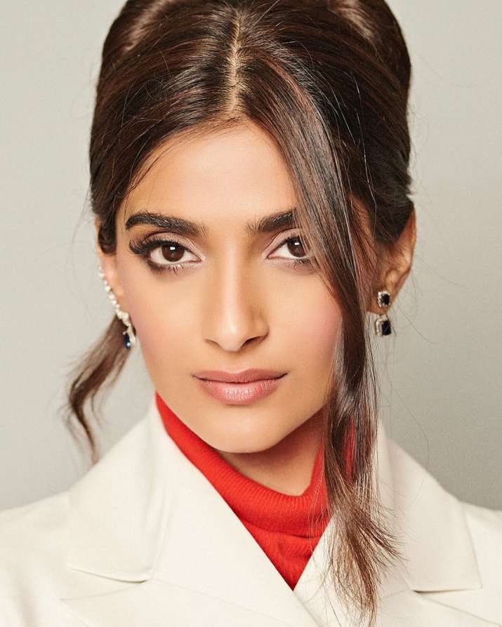 India Tv - Sonam Kapoor Accessories