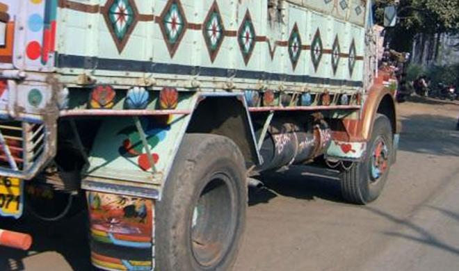 Truck driver dies in crash in Wazirabad area of North Delhi