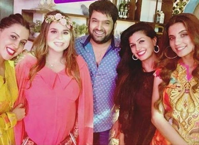 India Tv - Kapil Sharma and wife Ginni Chatrath with guests at their baby shower