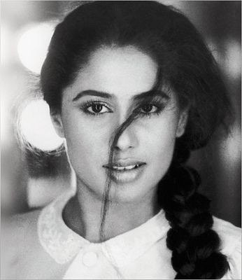 India Tv - Smita Patil became a leading actresses of parallel cinema, creating a new wave movement in Indian cinema.