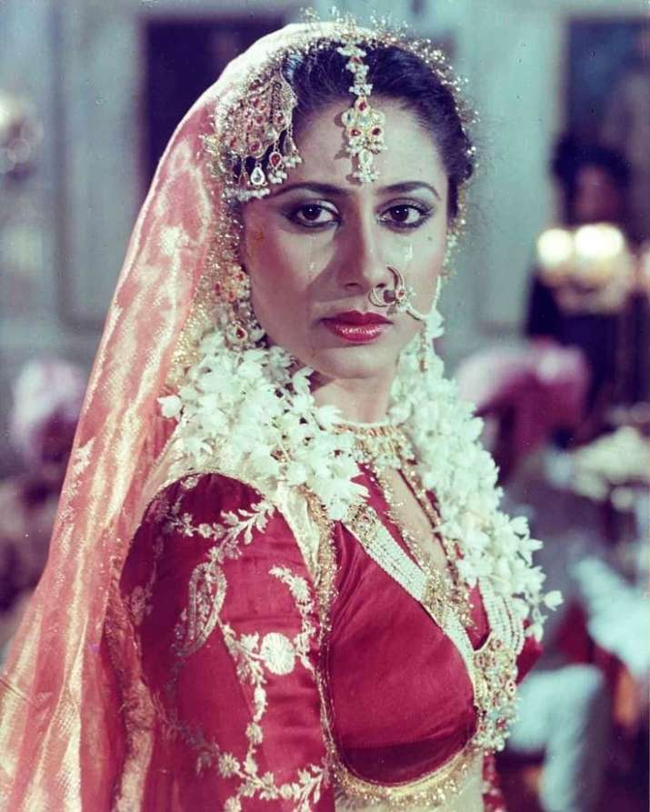 India Tv - An unbreakable part of a generation of actors strongly associated with radically political cinema of 70's,SmitaPatilis regarded as one of the finest stage and film actresses of her time.