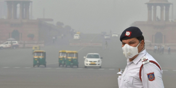 Days before strict anti-pollution measures kick in, air quality dips to 'very poor' at many places i