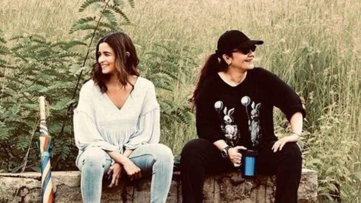 Alia Bhatt shares 'priceless moments' with sister Pooja Bhatt on Sadak 2 sets