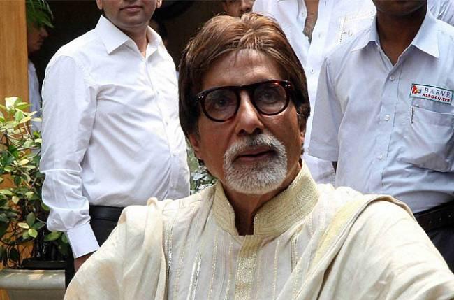 Amitabh Bachchan visits hospital for routine checkup
