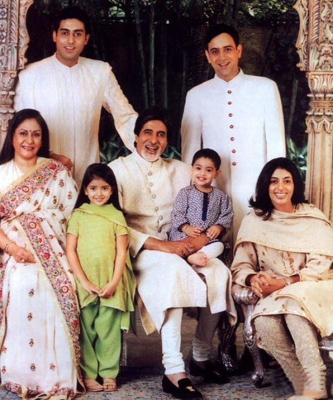India Tv - Amitabh Bachchan and wife Jaya Bachchan with their family