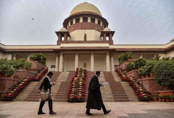 India Tv - Supreme Court Judgeswill be exempted from Delhi's odd even scheme