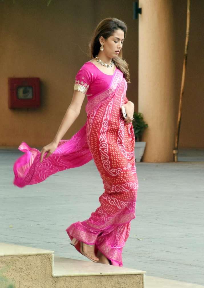 India Tv - Bollywood celebrates Karwa Chauth: Anushka Sharma, Mira Rajput and Bipasha Basu shilpa shetty raveen