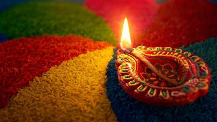 diwali in gujarat with diyas