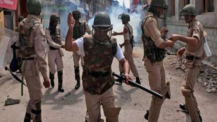 Militants hurl grenade at CRPF team in Srinagar
