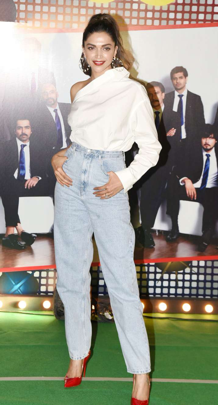India Tv - Deepika Padukone stole away the limelight at '83 wrap up bash