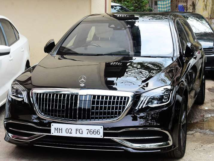 India Tv - Janhvi Kapoor's new luxurious Mercedes-Maybach