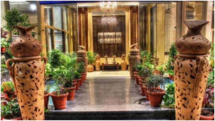 Vastu Tips: Main entrance of hotel should be constructed in North East direction. Know why