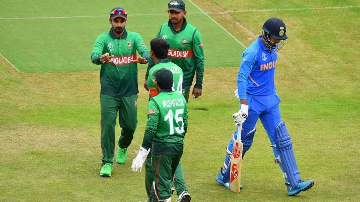 Rahul of India walks off after being dismissed by Rubel