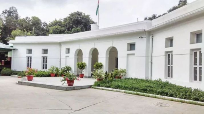 Disconnect water, power, gas for 27 ex MPs overstaying in official homes: LS panel
