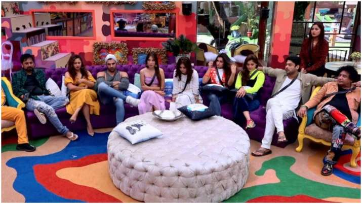 Bigg Boss 13 LIVE Updates October 17 Day 18: Which contestant will get locked up in BB jail?
