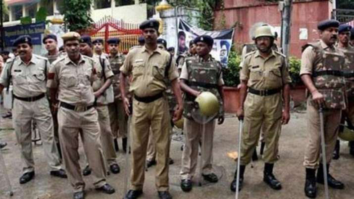 Around three police personnel were injured in the attack on