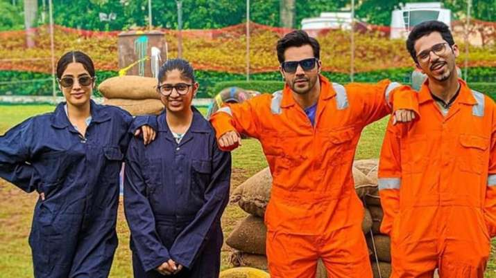 Varun Dhawan, Janhvi Kapoor play paintball with fans