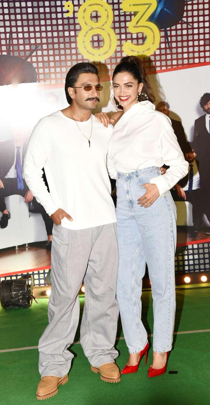 India Tv - Ranveer Singh and Deepika Padukone spreading their charm