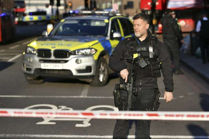 UK police clear London Bridge after reports of gunshots