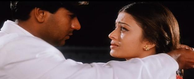 India Tv - Nandini runs towards Vanraj, and damn, how beautifully she runs! The urgency, the longing and the beauty -- could anybody do it better than Aishwarya Rai?