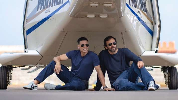 Akshay Kumar shares photo from last day of Rohit Shetty's Sooryavanshi