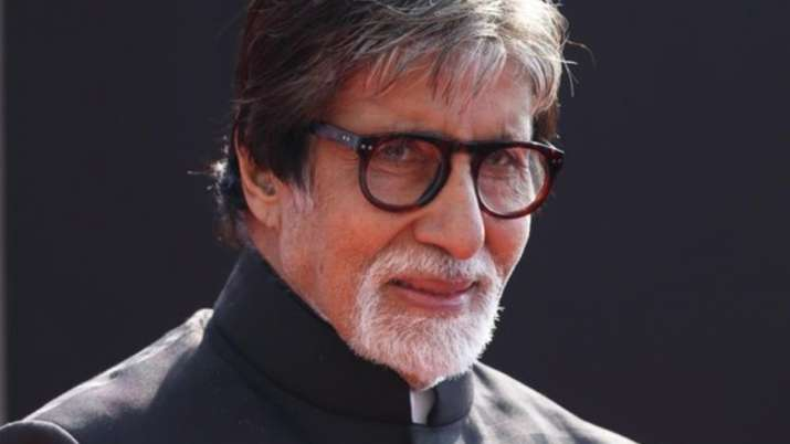 Amitabh Bachchan's fans correct him on Twitter after he shares fake video
