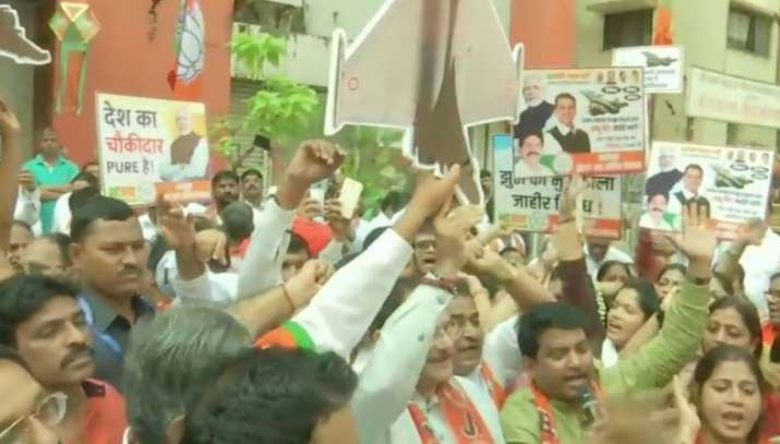 BJP holds protests seeking Rahul Gandhi's apology