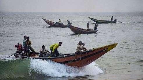 """Bangladesh braces for cyclone """"Bulbul"""""""