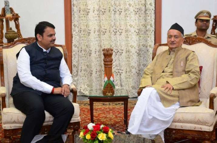 Fadnavis meets governor, seeks release of funds for farmers