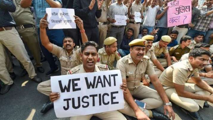 Top brass failed, field officers pacified agitating cops