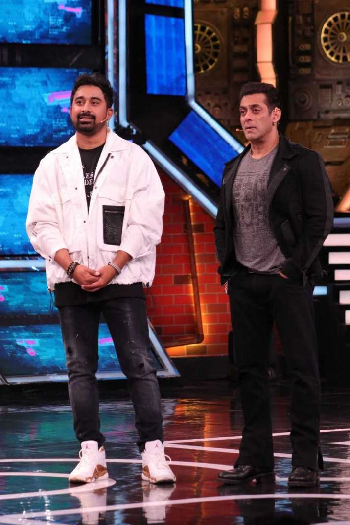 India Tv - Bigg Boss 13: Salman Khan, Rannvijay Singha's 'biryani bond' took hearts away
