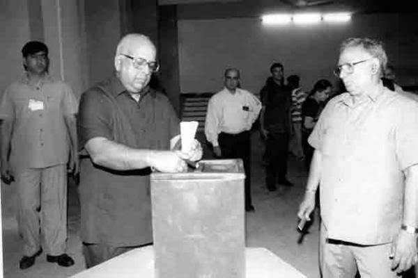 India Tv - TN Seshan passes away