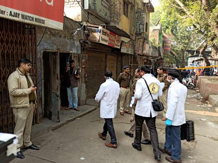 India Tv - Woman found dead under mysterious circumstances in Delhi's Gulabi Bagh