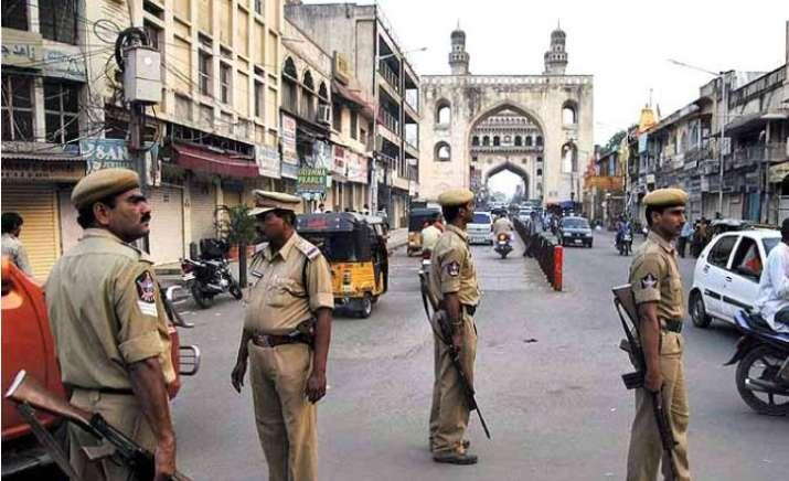 Hyderabad police seals Hussain Sagar to foil march