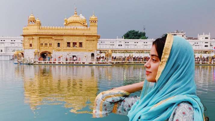 Janhvi Kapoor golden temple