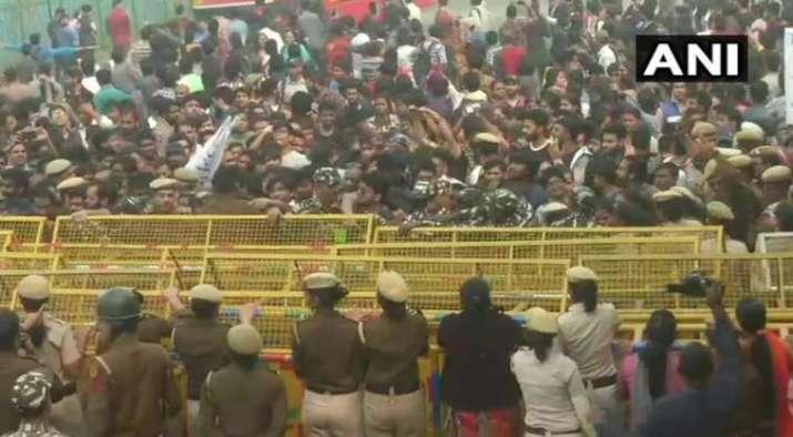 JNU teachers' association extends support to protesting