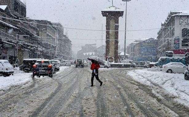 Highways in Kashmir closed as valley receives fresh snowfall