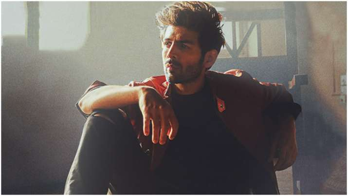 Pati Patni Aur Woh Dilbara song: Kartik Aaryan impresses in this soulful romantic track