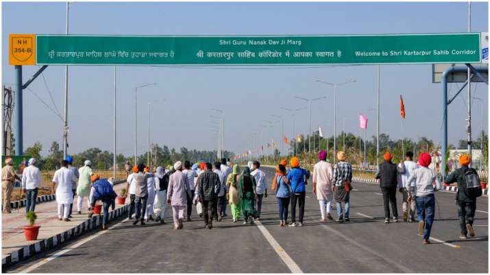 India Tv - First batch of Sikh pilgrims crossed over the international border via the Kartarpur Corridor. Approximately 500 Sikh pilgrims crossed over from the Indian side on the first occasion.