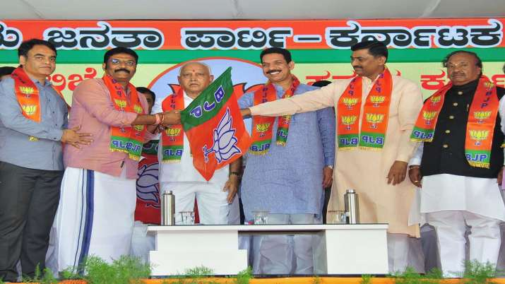 India Tv - Karnataka By-Elections: High stakes for Congress, BJP in 15 poll-bound constituencies