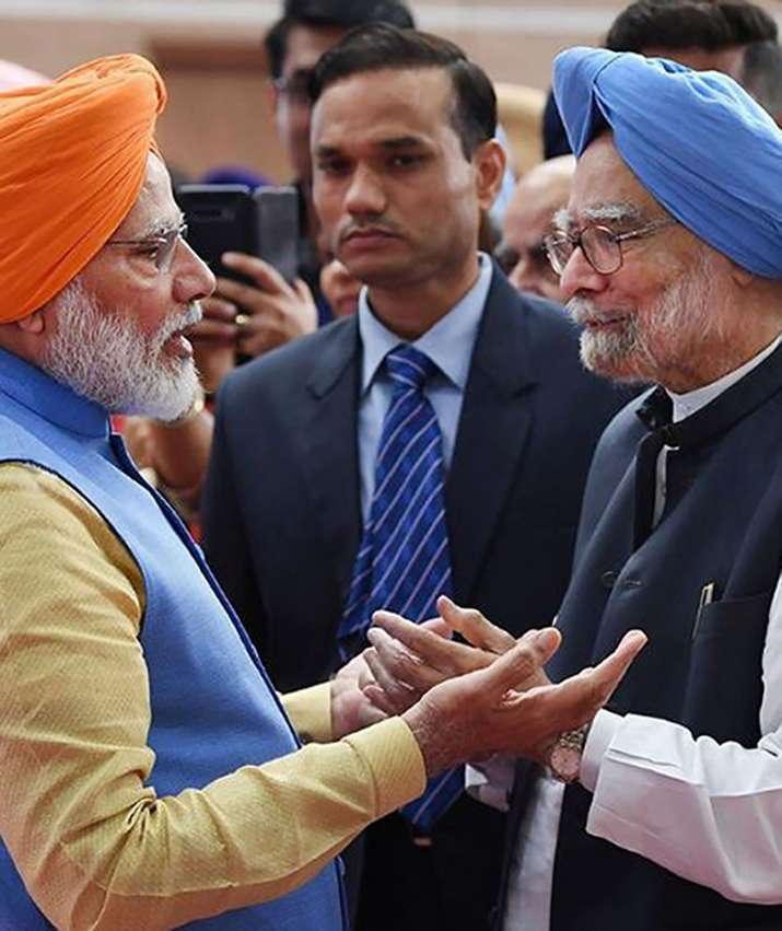 India Tv - PM Modi met former Prime Minister Manmohan Singh on the inauguration of the Kartarpur Corridor. Manmohan Singh was also one of the members of the Indian delegation that participated in the inauguration on the Pakistan side of the border.