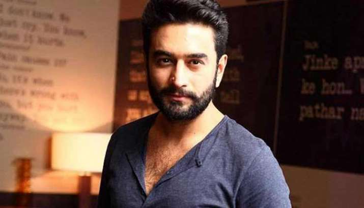 Shekhar's tweet went viral in no time, and derived varied