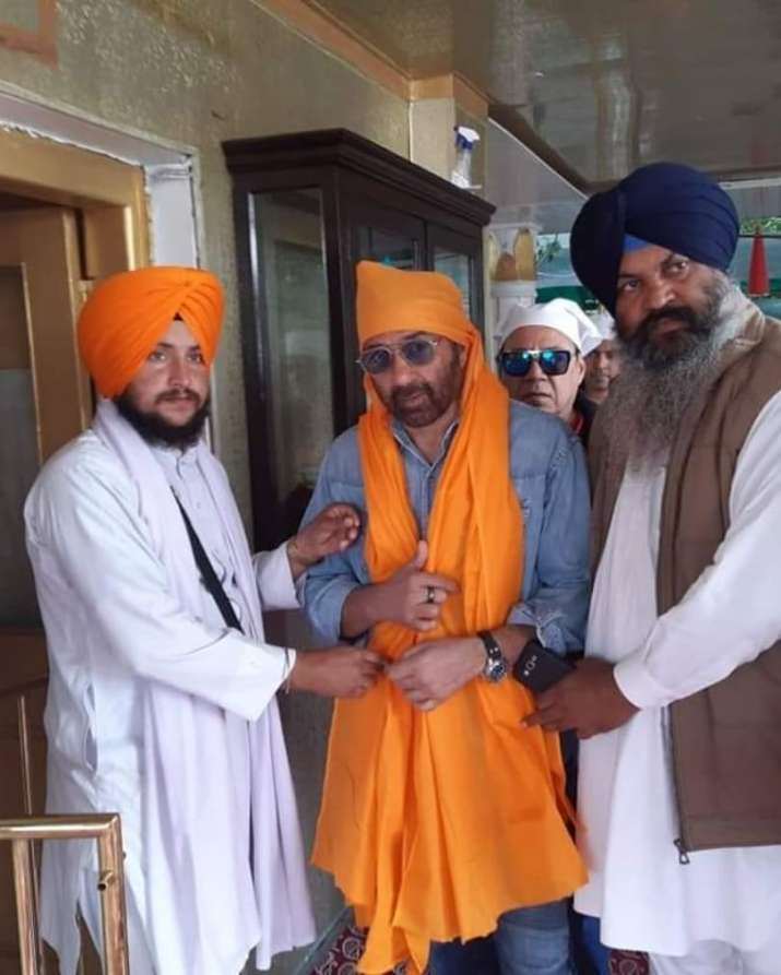 India Tv - Sunny Deol became a part of the first jatha for Kartarpur corridor opening