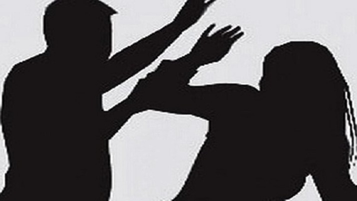 Police thrash, manhandle unemployed women in Jaipur