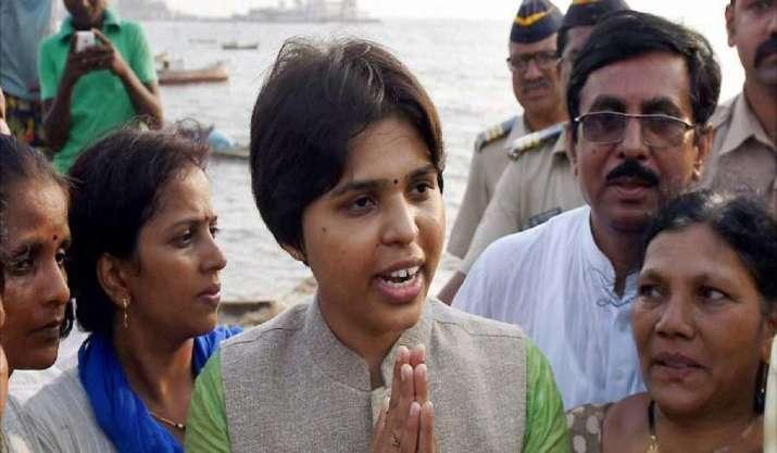 Trupti Desai in Kochi, to visit Sabarimala to offer prayers