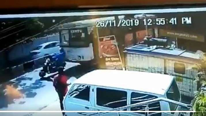 Hyderabad bus crushes TCS girl riding scooty | Tragic Video